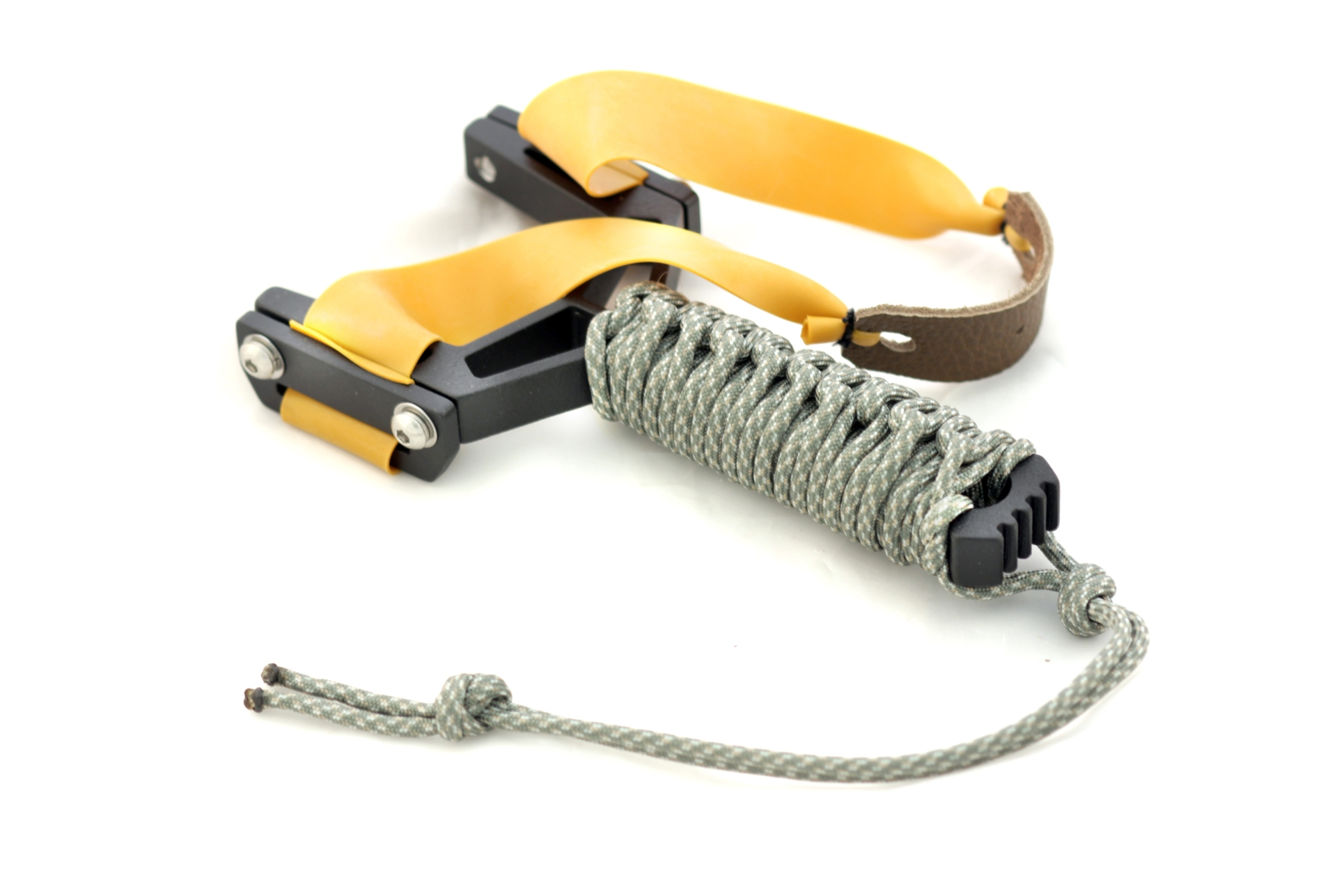 Montie Gear Y-Shot Slingshot - Black Frame / Woodland Paracord Wrap